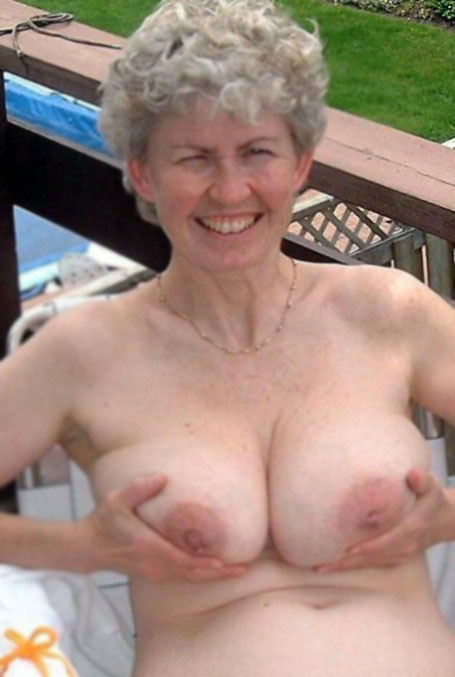 Pics of naked girls taking off clothes