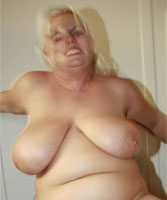 Abigail-of-London-milf-sex-contact